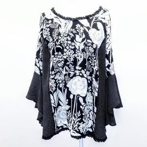 Solitare Top Size 1X Black and White Print